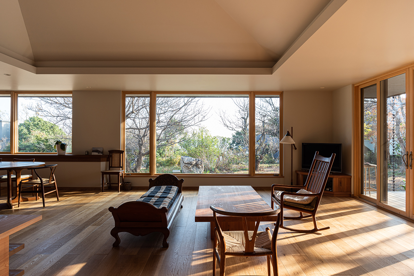 平屋、全館空調、天窓、ウッドデッキ、設計事務所、建築家、大磯、神奈川