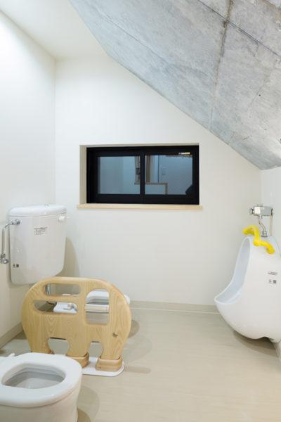 保育園、東京、品川区、戸越公園、一級建築士事務所、建築家、木育、もくいく、アスパイーエックス、さんさん森の保育園、N&C、子供のトイレ