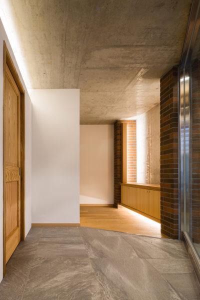 東京、品川区、神奈川県、一級建築士事務所、建築家、N&C、打ち放し、外壁タイル、玄関