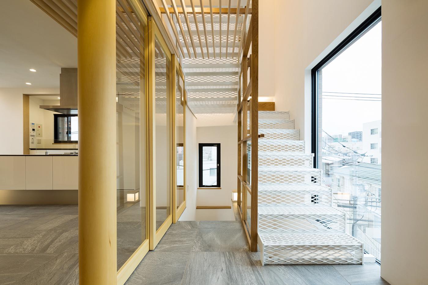 東京、品川区、神奈川県、一級建築士事務所、建築家、N&C、打ち放し、広いリビング、天井が高い、木の空間、漆喰壁、鉄骨階段、エキスパンドメタル