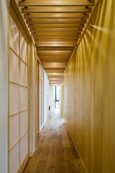 東京、品川区、神奈川県、一級建築士事務所、建築家、N&C、打ち放し、ルーバー、天井が高い、木の空間、漆喰壁、路地